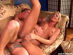 Deep Anal For Horny Blonde MILF