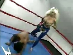 Blow wife hasfent Ms Booty vs Busty Blondie