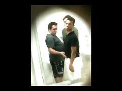 varios flagras de pegação xxxnxxx hdvideo Bathroom