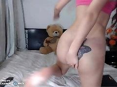 sexy tranny jerks to the webcam