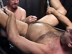 Bear Instincts experimenting Bareback & Fisting