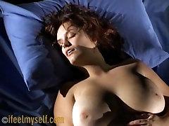 Jauna Mergina Masturbaits ir gauti didelį orgazmą 34