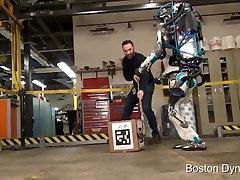 robots vardarbības fantāziju