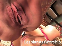 Torie Heart Facesits Brittany Blue for Ass Eating