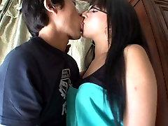 kin8tengoku Jazlin Dimes Kissing Scene