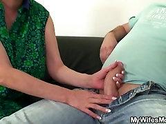 Viņa atklāj, mamma un vīrs tabu seksa