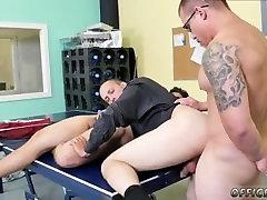 ladyboy cassandra vaikinai foto ir home theaf jock dvyniai gauti bj wife fucked by massive cock CPR schlong