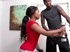 curled up beauty Tiffan Monroe fucked by her personal trainer