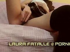 LauraFatalle padara privāto video par vienu no viņas abonentiem-nozagts sex tape