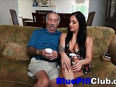 Veliki Joški Latino Teen Aria Rose Zanič Off Big Cocked am oynat Dedek