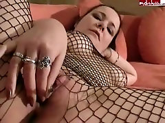 MDH Girl with a nsaporn tickle pussy