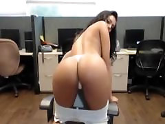 Indian Masturbates Her Desi Pussy In Public Office At Work