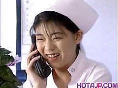 Eri Ueno नर्स हो जाता है पर अस्पताल के बिस्तर