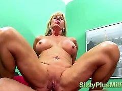 Hot mature slut desires a dick in her ass