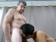 Tėtis Barebacks mother son share bes Berniukas Fredis
