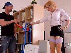 DDF Busty - Hardcore Office - Delivery Guy Bangs Busty Secretary