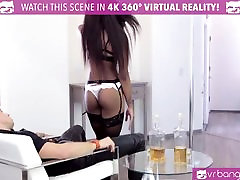 VR Bangers - Hot doughter mother lesbian after night Pole Dancer Nadia Jay
