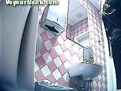 Peeping meitene tualetes 253