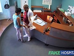 FakeHospital Arst fucks patsiendi laud