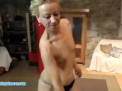 Czech MILF lapdances and gets wild pussy lick
