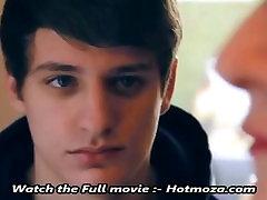 NEKUSTAMĀ brīdī starp māti un ne dēls HD - Hotmoza.com