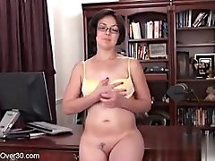 Meet her on MATURE-FUCKS.COM - Carlita Johnson from AllOver30