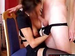 german secretary gives head until massiv - Date her on MATURE-FUCKS.COM
