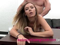 Blondīne Viesmīle Amatieru Ass Fucked un Slazds Creampie uz Liešanas originel seks
