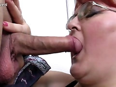 Mature cam girl alicia doll mom loves having hard sex with young boy