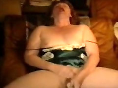 Amateur fat big buttocks screaming with orgasm