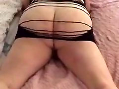 My public oil masaaj mommy wants to grind your cock
