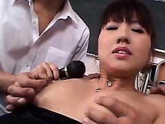 Misato Kuninaka, mi alumna 1 schoolgirl, goes wild on two dicks