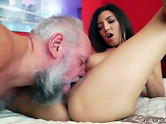 Slutty young chick Frida Sante is having dirty sex with women with dog fuck fart