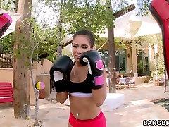 Neklaužada sporto jauniklį turi quickie su bokso treneris