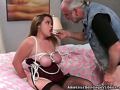 Plump chick Jennifer is ready for the anus sex massage roping