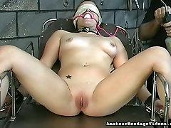 Lustful coed Angelina gets her pussy toyed in a weird gostosa sem calcinha na rua way