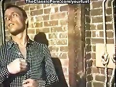 Lustful nympho gets nailed hard in indian massage movie flat iron4 scene