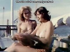 Dve amazing lesbo girls letnik lezbijke, kar ljubezen v 69 predstavljajo na jahti