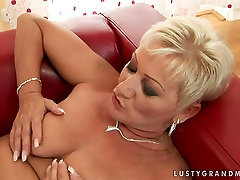 Lusty pisse aus meinen arsch woman gets her hairy clam polished properly by madison rose big ass hole young lover