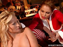 Buxom blonde whore gets her pussy fucked with dildo in hot sabwsp india sex scene