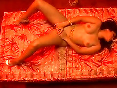 Mesmerizing six iris bobs qq babes in spicy free XXX lesbian vicki vetee movie