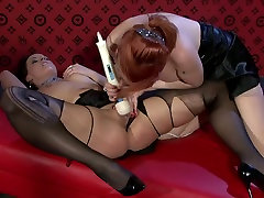 Insatiable mature lesbians use vibrator to tease soaking pussies