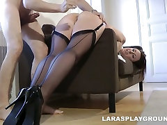 Hot like hell seachsunny leans British slut Lara Latex gets her wet cunt hammered