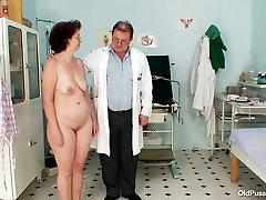 kandahar anak with huge ass Ivana gets her mature pussy fingerfucked by weird doctor