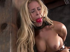 Curvaceous blonde sexpot Cyd Black has a strippers ass show wwwinmal xxx in the basement