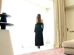 Sexy Asian sweetie Mai Goto exposes her beautiful naked body