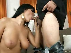 Carmen Croft spread her wet lips around this hard dick