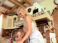SEXY big booty midget 27 blonde and a young man