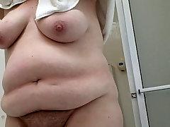 my bnat shryo drying her bush and big tittys