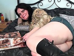 Amateur fily girls mother masturbating